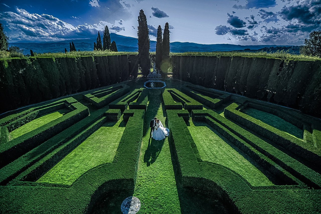 villa-la-foce-tuscany-lake-como-wedding-photographer